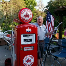 Chairman receives vintage Amoco pump